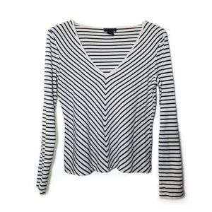 THE LIMITED BLACK AND WHITE STIPPED TEE